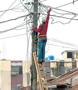 Electricity-worker-260x300.jpg