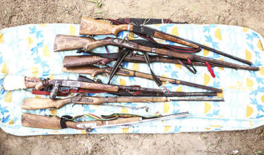 Katsina traditional rulers commended, as repentant cattle rustlers, vigilante surrender weapons