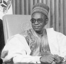 Osinbajo felicitates with Shagari, ex-Nigerian President, at 92