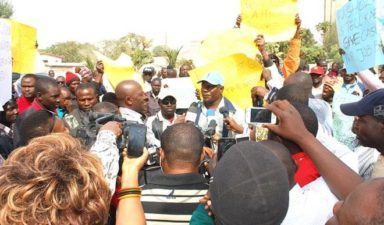 Protesters block National Assembly gate over Ndume