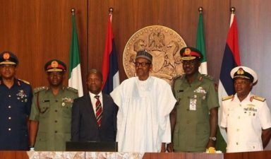 Buhari performs 1st official duty upon return, meets Osinbajo, service chiefs