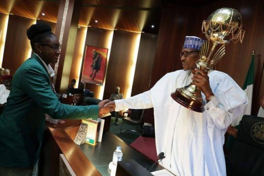 Buhari-and-trophy2.jpg