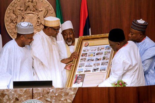 Buhari-receives-Rice.jpg