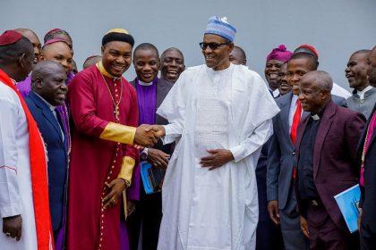 Buhari-and-pastors.jpg