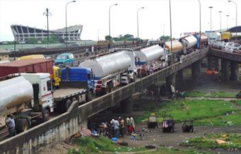 AG Dangote, Julius Berger begin work on alternative route, as FG set to rehabilitate Apapa/Ijora road in Lagos