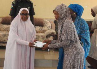 400 women benefit from Aisha Buhari's cash transfer initiative