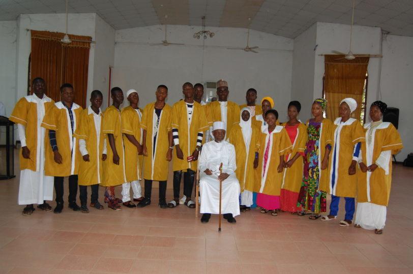IMA-Bola-Ajibola-poses-with-graduates-1.jpg