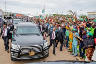 "Buhari attends Osun APC mega rally, tells electorates ""I'm at home with you"""