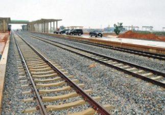 Amaechi reiterates commitment to Lagos-Ibadan rail project