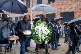 Polland: President Buhari visits Auschwitz-Birkenau Memorial and Museum, pays tribute to Holocaust victims