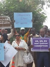 "OnnoghenGate: 200 NGOs protest, tell Buhari, ""We are behind you against corrupt judiciary"" as NBA boycott shunned in Lagos"
