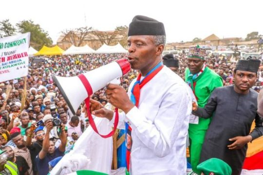 Osinbajo-speaks-at-a-rally-in-Kabba-Kogi-state-e1549127059994.jpg