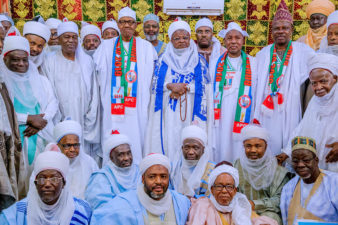 Keep trust or quit, President Buhari warns public officials